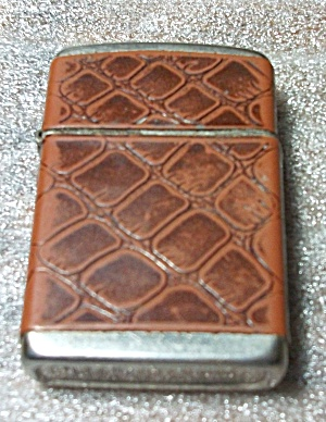 VINTAGE 1957 CHAMP FAUX SKIN LIGHTER (Image1)