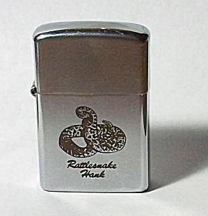 VINTAGE BARLOW B7 ENGRAVED RATTLE SNAKE HANK LIGHTER (Image1)