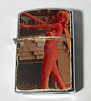 NEVER USED VINTAGE 1960`S NUDE PINUP LIGHTER (Image1)