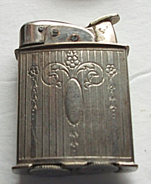 VINTAGE 1940`S EVANS FLORAL ENGINED DESIGN LIGHTER (Image1)