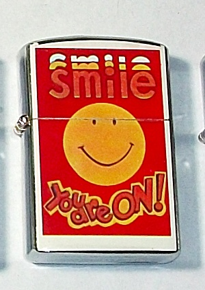 1960`S PENQUIN 111957 SMILE YOU ARE ON! LIGHTER NEW (Image1)