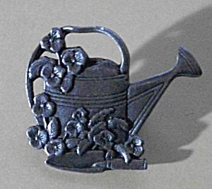 BIRDS & BLOOMS LIMITED EDITION BROOCH PEWTER WATER CAN (Image1)