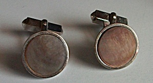 VINTAGE 1960`S SWANK ABALONE & SILVER ROUND CUFFLINKS (Image1)