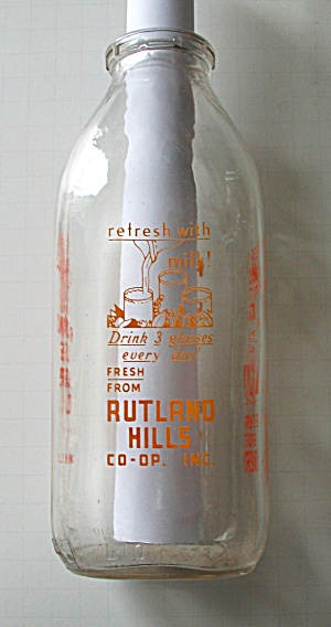 VINTAGE RUTLAND HILLS QUART MILK BOTTLE 4 SIDED ADS (Image1)