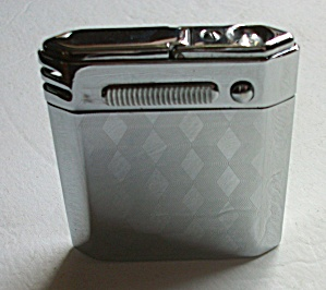 VINTAGE 1960`S FLASHLIGHT LIGHTER JAPAN  (Image1)