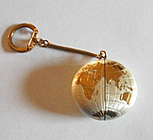 VINTAGE 1960`S ROUND WORLD KEYCHAIN LIGHTER (Image1)