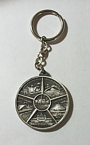 VINTAGE WALT DISNEY WORLD COIN KEY CHAIN (Image1)