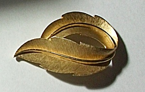 Vintage Trifari Gold Tone Leaf Brooch