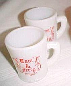 Two McKee Glass Company Vintage Milk Glass TOM & JERRY (Image1)