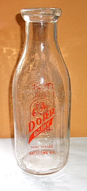 QT. C.A. DORR DAIRY WATERTOWN NEW YORK MILK BOTTLE (Image1)