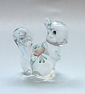 VINTAGE FENTON HAND PAINTED SQUIRREL SIGNED (Image1)