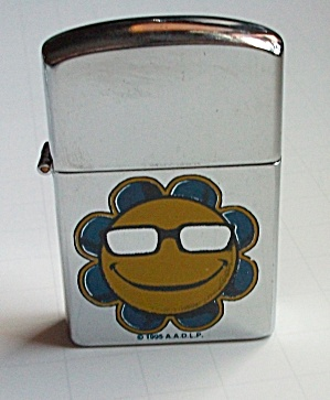 1995 A.A.D.L.P.COOL SUN FLOWER LIGHTER NEW OLD STOCK (Image1)