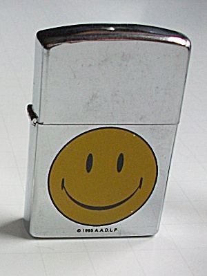 1995 A.A.D.L.P. SMILEY FACE LIGHTER NEW OLD STOCK (Image1)