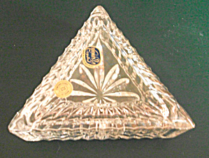 OLD BEAUTIFUL BOHEMIA CRYSTAL TRIANGLE KEEPER - TRINKET (Image1)