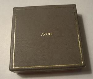 AVON COMPACT GOLDEN SCROLL DESIGN MIB (Image1)