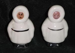 ESKIMO SALT AND PEPPER SHAKERS (Image1)