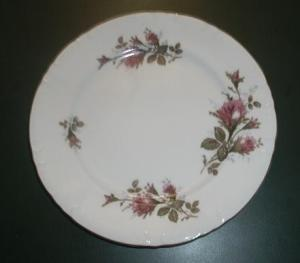 ROYAL ROSE 9 1/4 INCH PLATE JAPAN (Image1)
