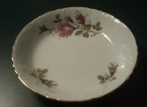ROYAL ROSE JAPAN 5 1/2 ROUND BOWL (Image1)