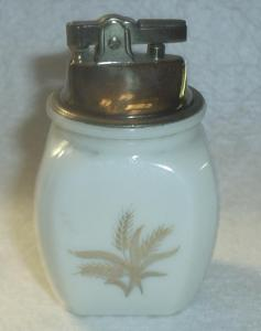 CREAM GLASS TABLE LIGHTER GOLD WHEAT DESIGN (Image1)