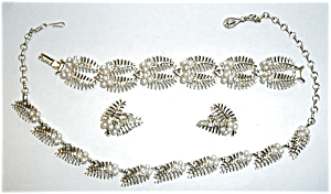 VINTAGE4 PC. CORO PEARL AND GOLD EVENING WEAR (Image1)