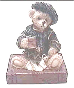 Cornerstone Creations bear figurine (Image1)