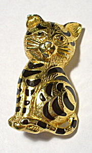Cat gold plated vintage brooch pin (Image1)