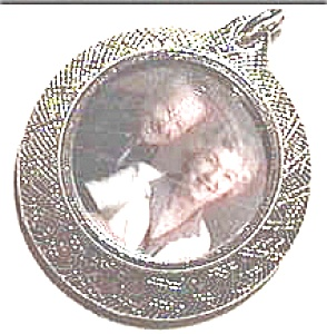 Single Picture Silverplate Locket (Image1)