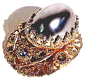 Faux Pearl Rhinestone Pendant (Image1)