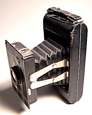 Vintage Jiffy Kodak Pocket folding camera (Image1)