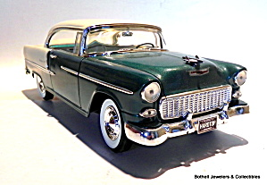 1955 Chevrolet Bel Air hardtop 1/18 scale diecast car (Image1)