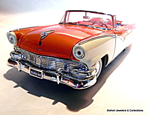 1956 Ford Sunliner Vintage Diecast 1/18 Scale Car