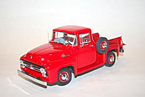 1956 Ford F-100 Pickup 1/24 scale model truck (Image1)