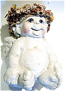 Dreamsicles sitting Christmas angel ceramic figurine (Image1)