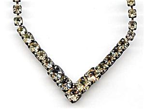 White rhinestone chevron design necklace (Image1)