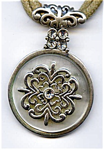 Celtic design vintage rhinestone pendant necklace (Image1)