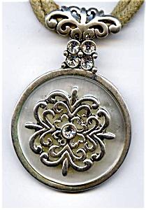 Celtic design vintage rhinestone pendant necklace (Image1)
