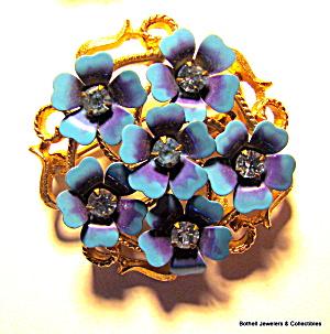 Avon flower rhinestone enamel vintage brooch or pin (Image1)