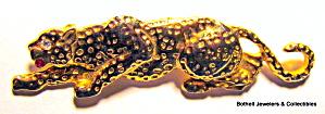 Cougar or Lion gold tone vintage brooch or pin (Image1)