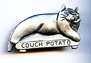 'Couch Potato' pewter cat brooch or pin (Image1)