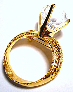 Vintage diamond ring design gold tone brooch or pin (Image1)