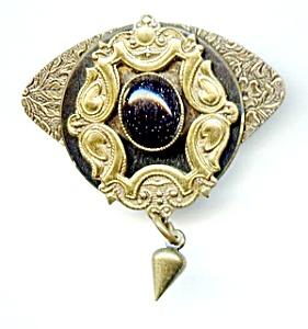 Retro 1920s style vintage goldstone brooch (Image1)