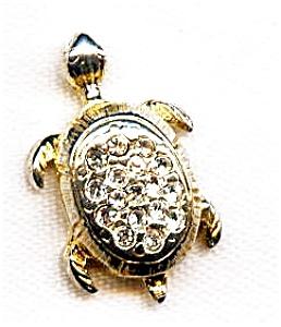 Turtle rhinestone lapel pin (Image1)