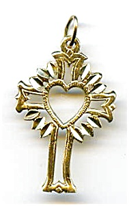 14K gold radiant heart cross pendant (Image1)