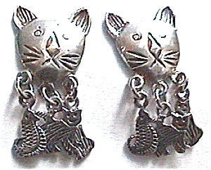Cat and  kittens sterling silver vintage earrings (Image1)