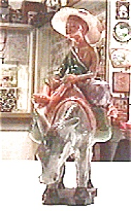 Black Woman Handcrafted Statue (Image1)