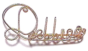 Debbie Name Gold Wire Pendant (Image1)