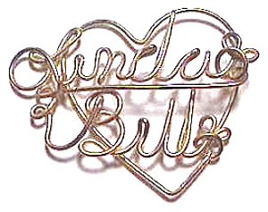 Linda & Bill Gold Wire Heart Pendant (Image1)