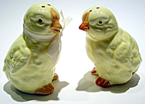Baby chicks salt and pepper set (Image1)