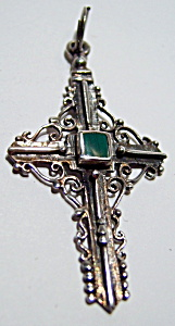 Sterling silver green onyx cross pendant (Image1)