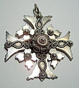 Ornate sterling silver vintage cross (Image1)